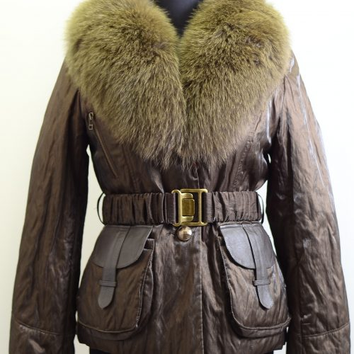 Women Textiles With Furs-289